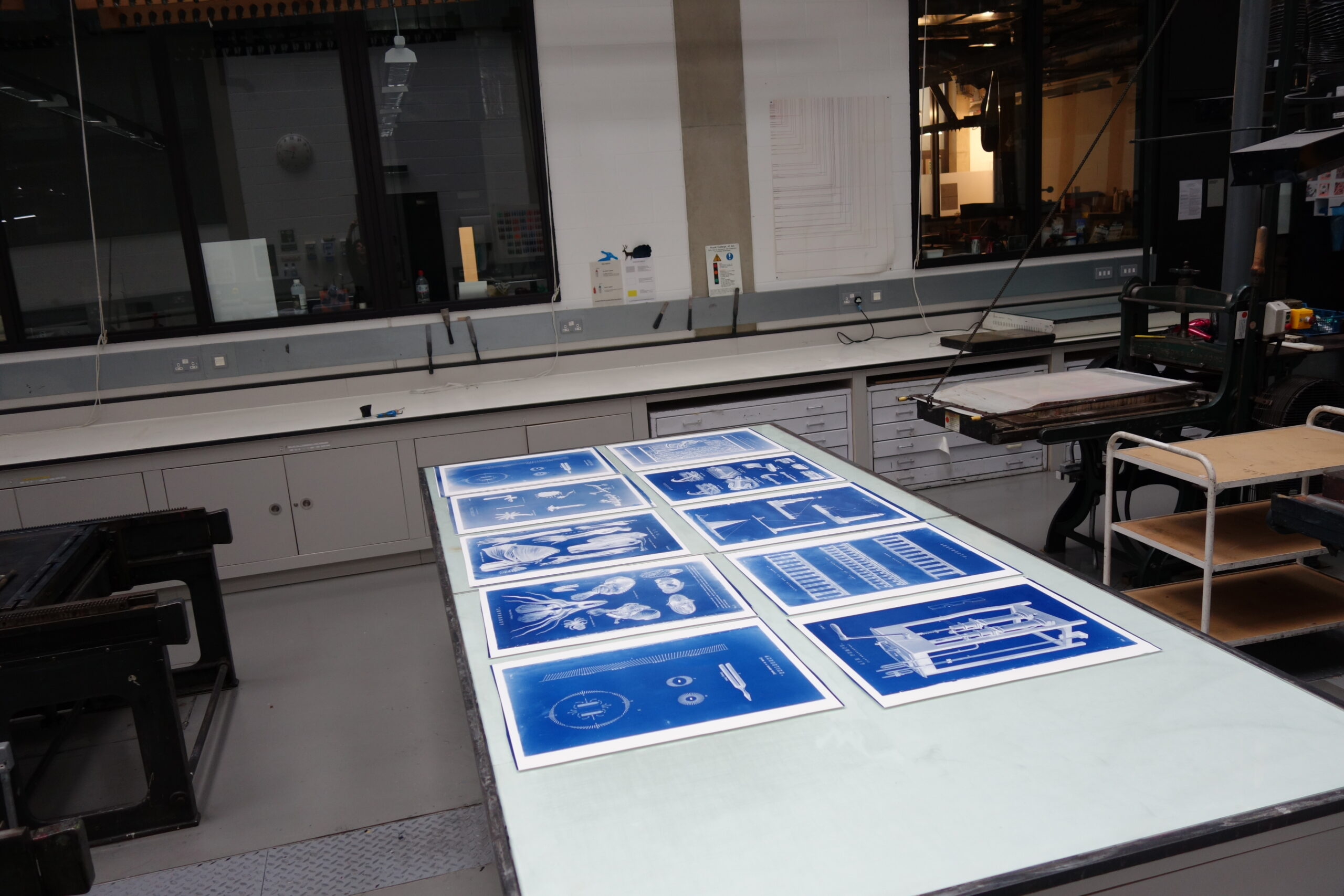 Working with master printmaker Alan Smith at Royal College of Art; © Sarah Gillett