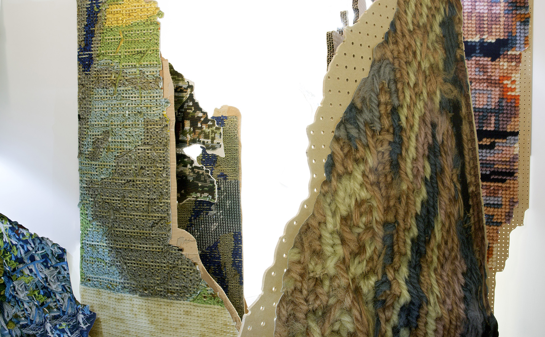 Drawloom (Diagram for an artwork): Monumental fragments of landscape stand in a room.